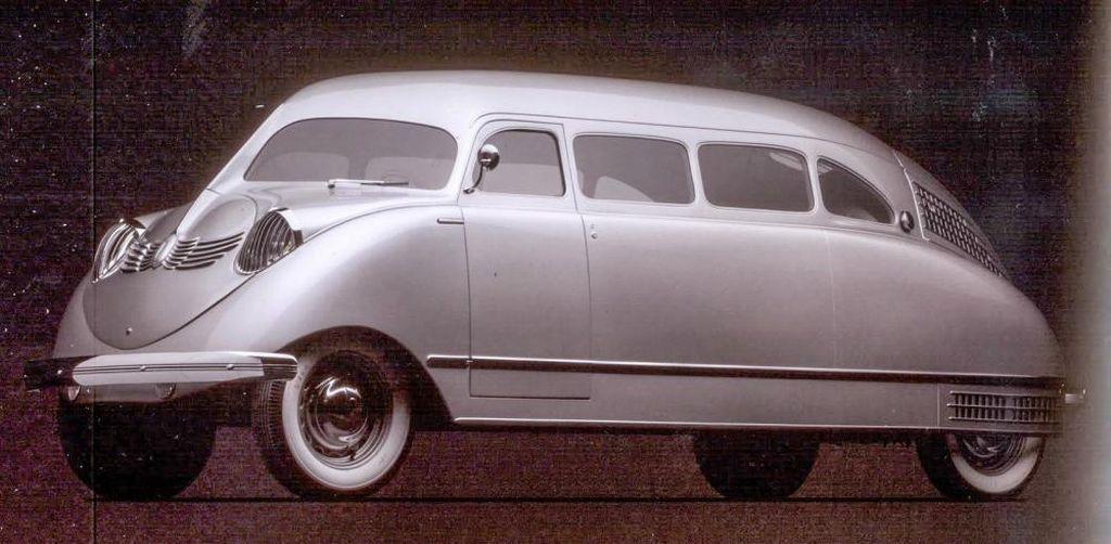 Автомобиль Stout Scarab (Скарабей)